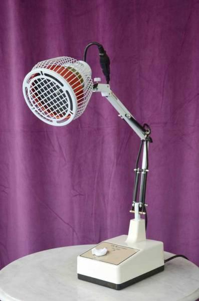 Vorschau: Die TDP-Lampe - Infrarot-Wärmelampe TD5P als Tischlampe zur Selbstbehandlung