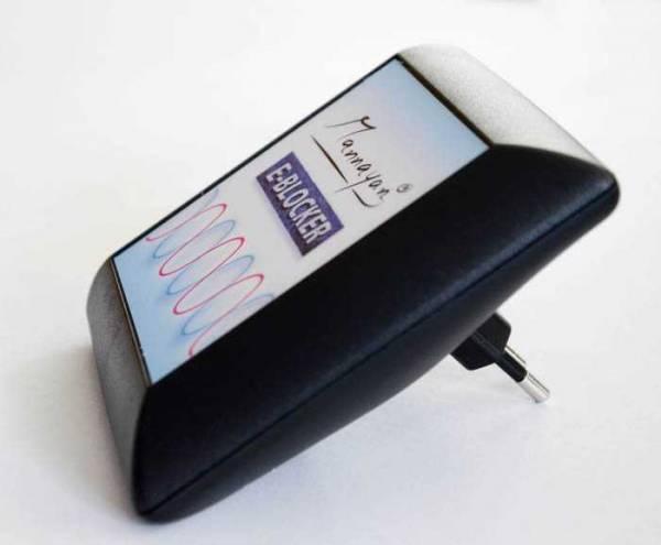Vorschau: Der E-Blocker wird einfach in die Steckdose gesteckt